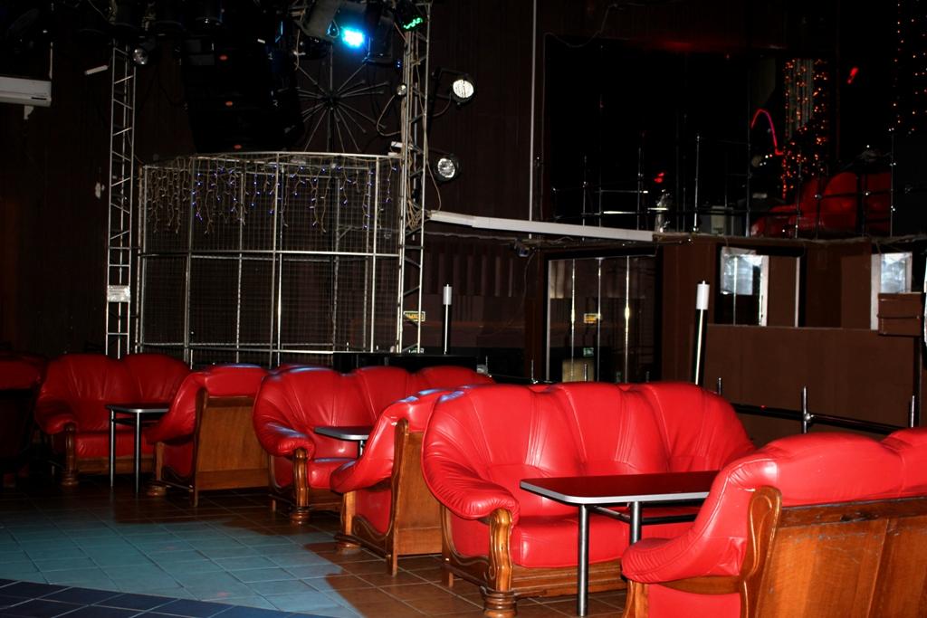 Барановичи клубы ночные девушка зашла в стрип клуб